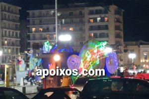 Ο Τελάλης του Πατρινού Καρναβαλιού στους δρόμους της πόλης (photo - BINTEO)